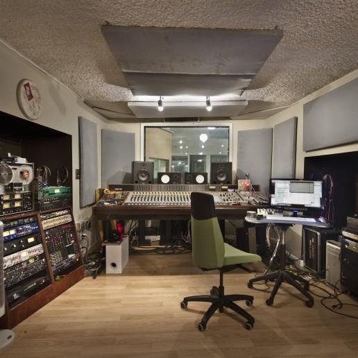 Jeremy Griffith Studio Room