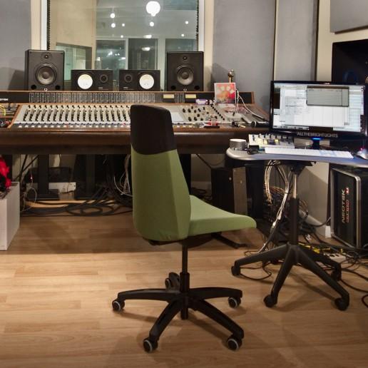 Jeremy Griffith studio