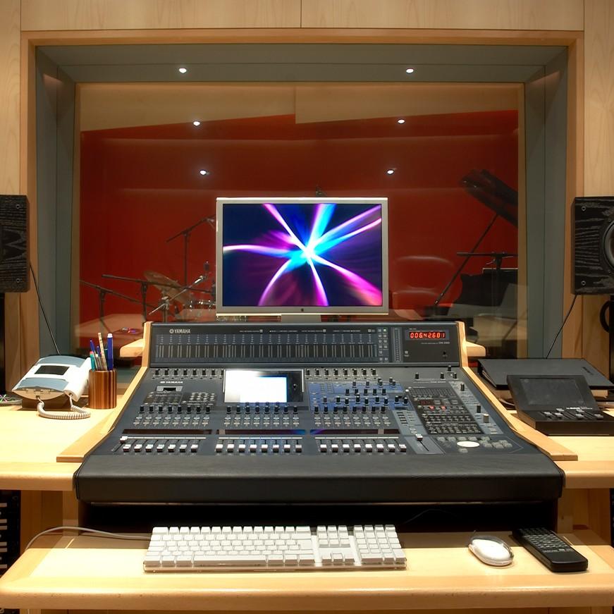 Kafer Studios Italy S8