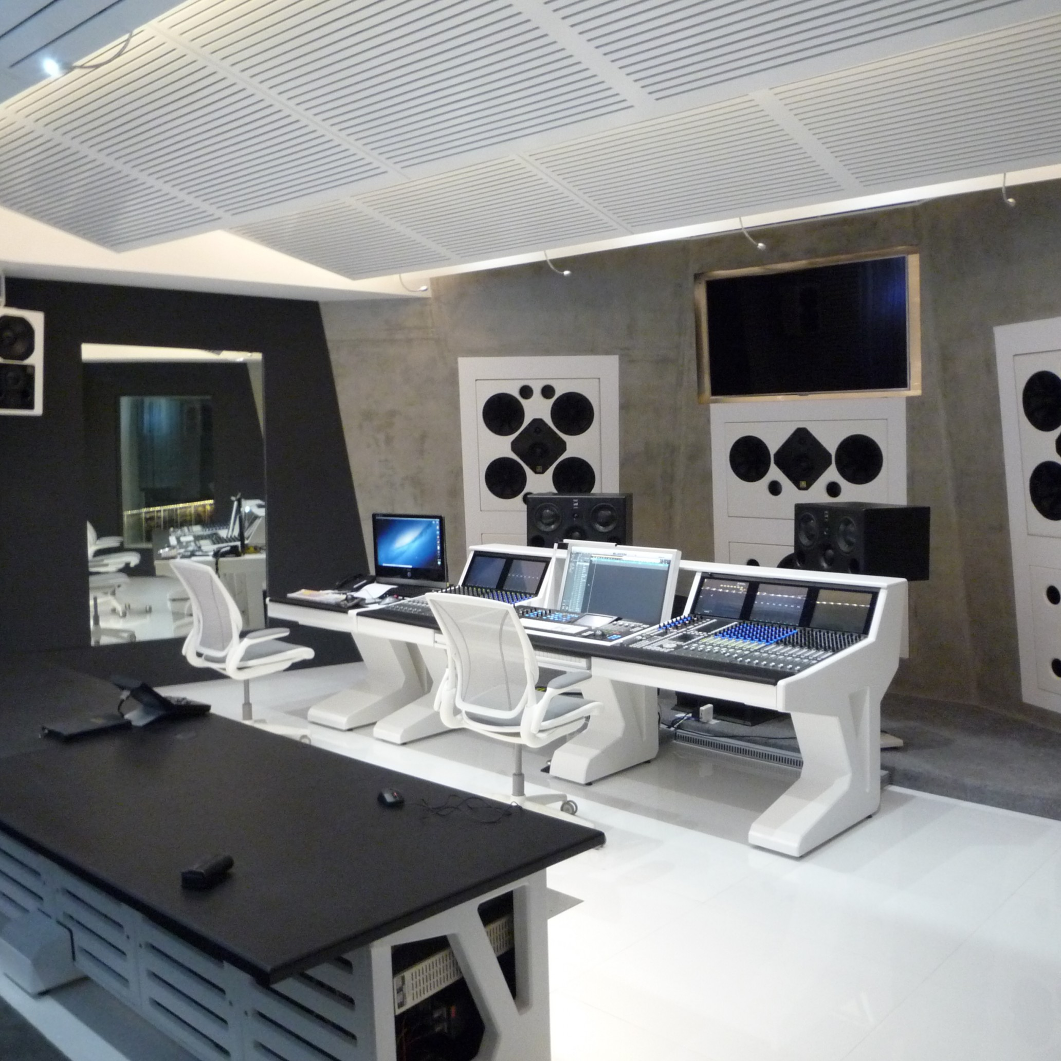 Harris Jayaraj studio